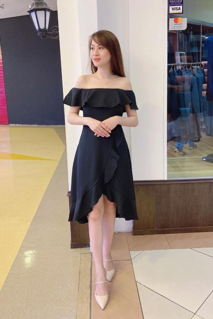 Chixxie Carina Dress in Black