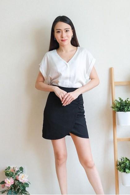 Chixxie Sherilyn Short Skirt in Black