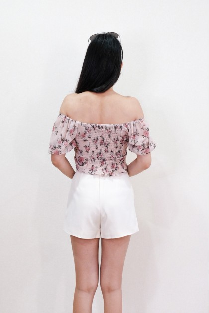 Chixxie Jolie Shorts in Beige