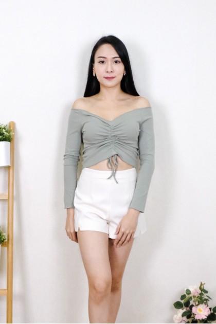 Chixxie Kyla Long Sleeve Off-Shoulder Crop Top in Green