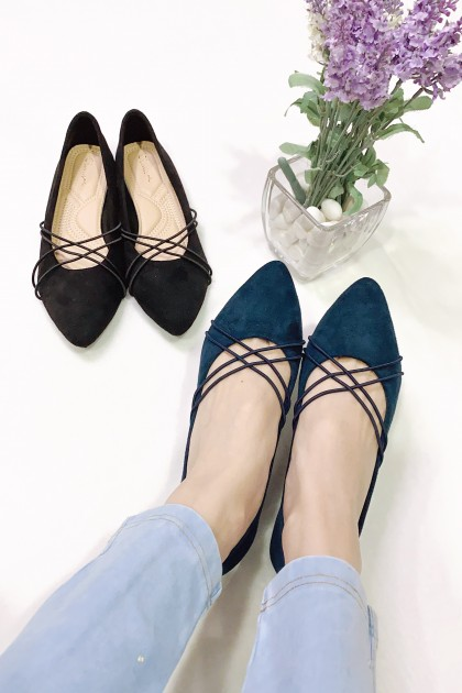 Chixxie Crossed Strap Pointed Toe Flats in Navy