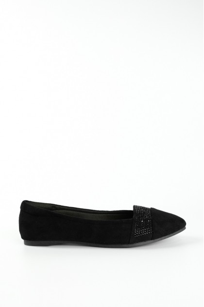 Chixxie Embellished Lined Pointed Toe Flats in Black