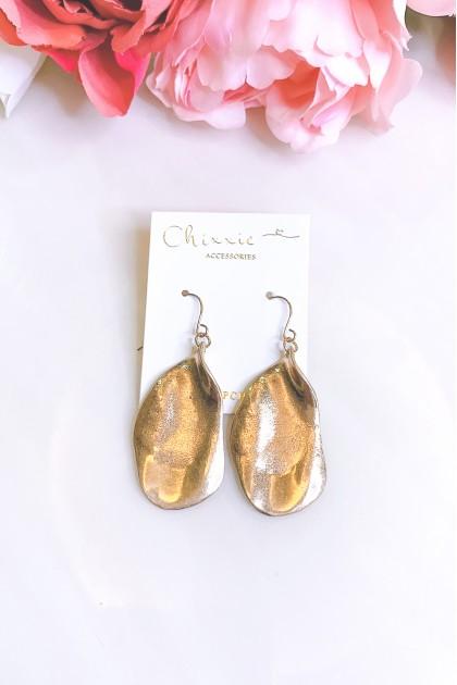 Gold Wavy Plate Earrings